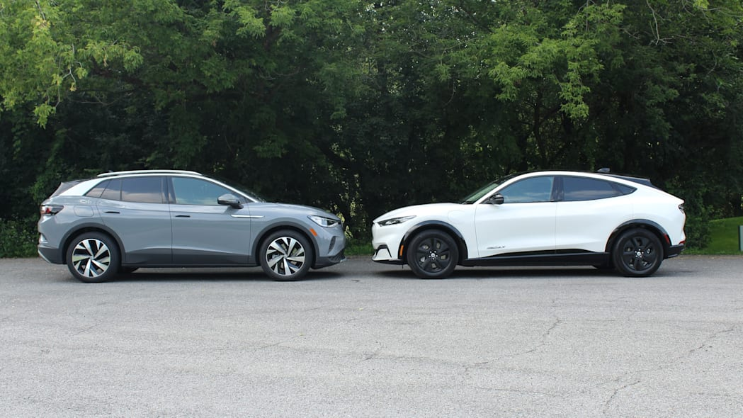 2021 Volkswagen ID.4 vs 2021 Ford Mustang Mach-E