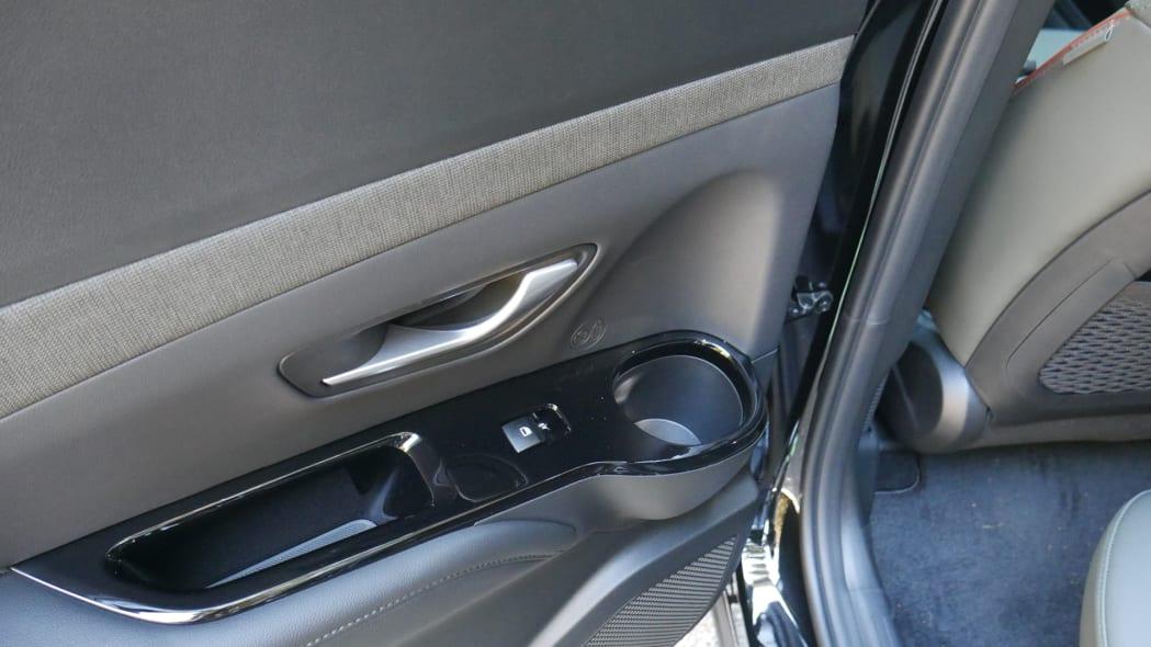 2022 Hyundai Santa Cruz back seat door cupholder