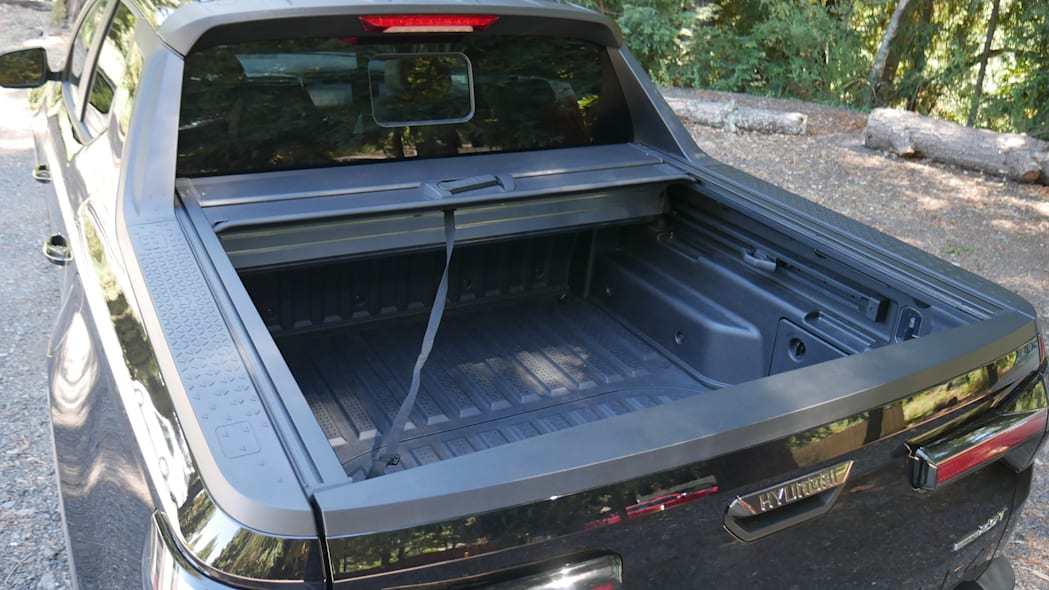 2022 Hyundai Santa Cruz bed cover open