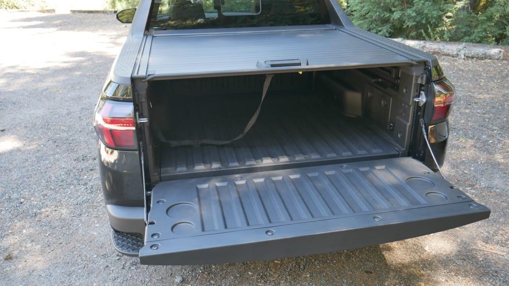 2022 Hyundai Santa Cruz bed tailgate down cover closed