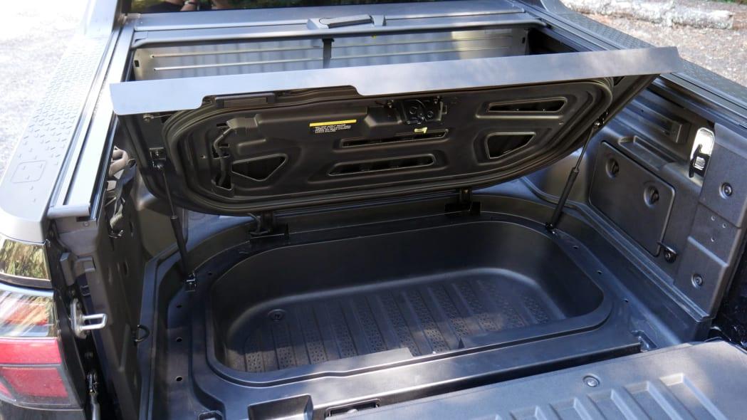 2022 Hyundai Santa Cruz bed trunk