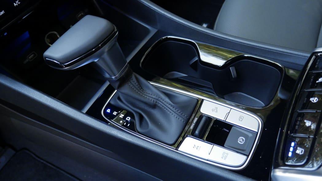 2022 Hyundai Santa Cruz center console