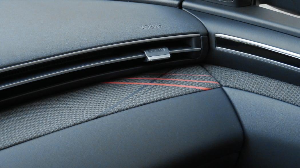 2022 Hyundai Santa Cruz interior trim detail