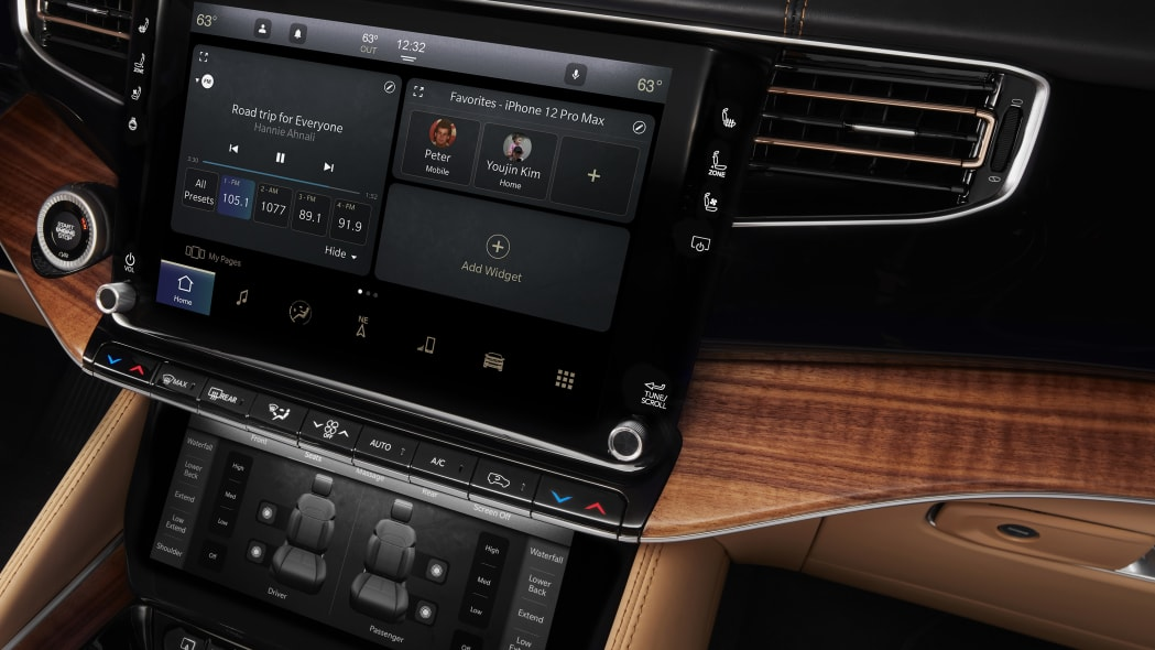 All-new 2022 Grand Wagoneer features the new Uconnect 5 12-inch