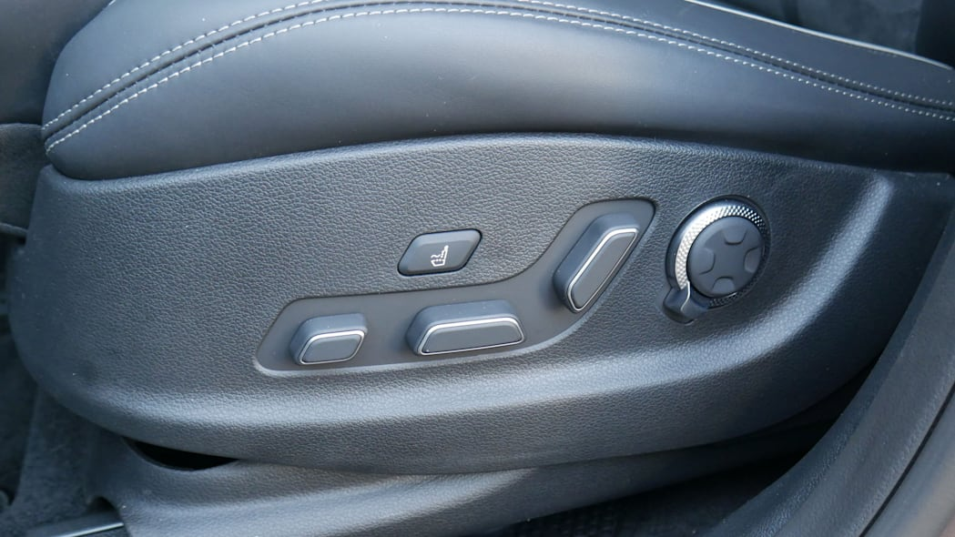 2022 Genesis GV70 front seat controls
