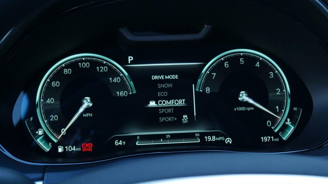 2022 Genesis GV70 gauges comfort