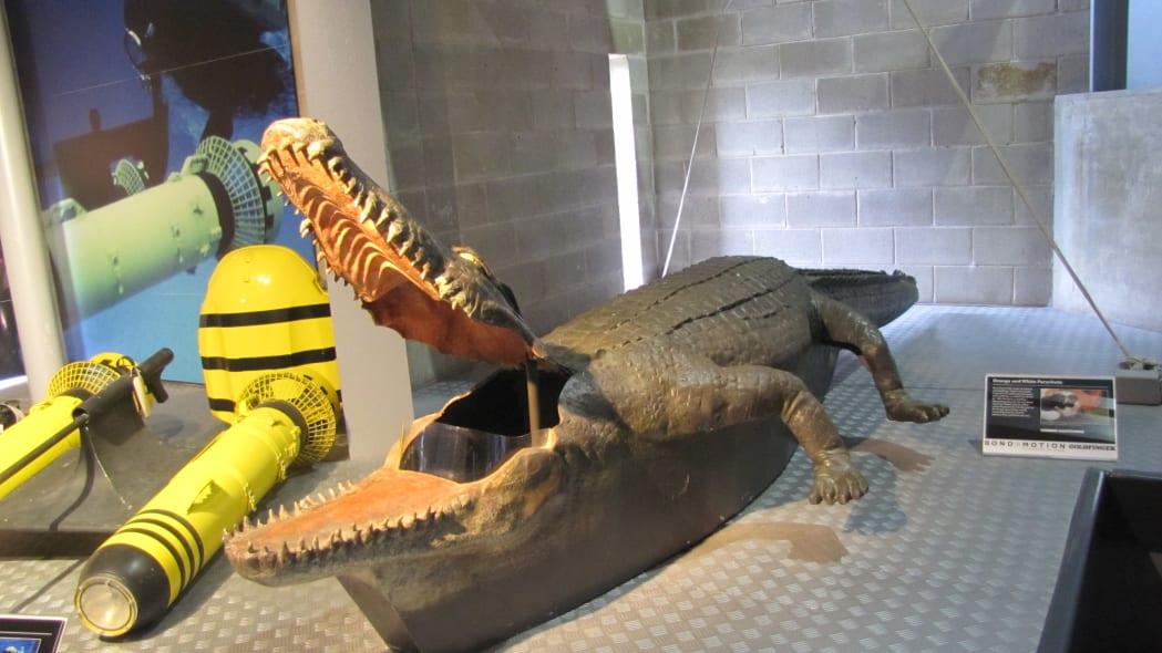Aligator submarine from Octopussy