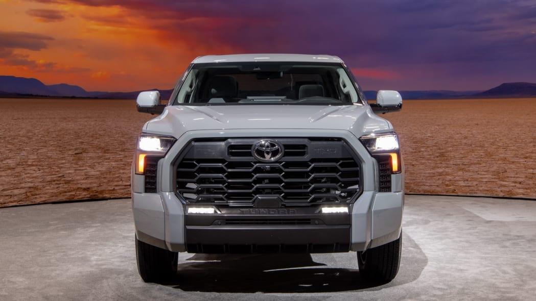 2022 Toyota Tundra SR5-02