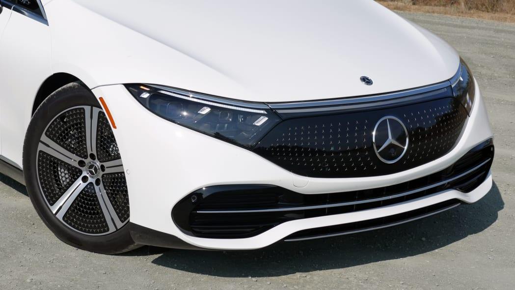 2022 Mercedes EQS 450+ front detail