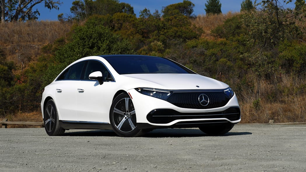 2022 Mercedes EQS 450+ front three quarter