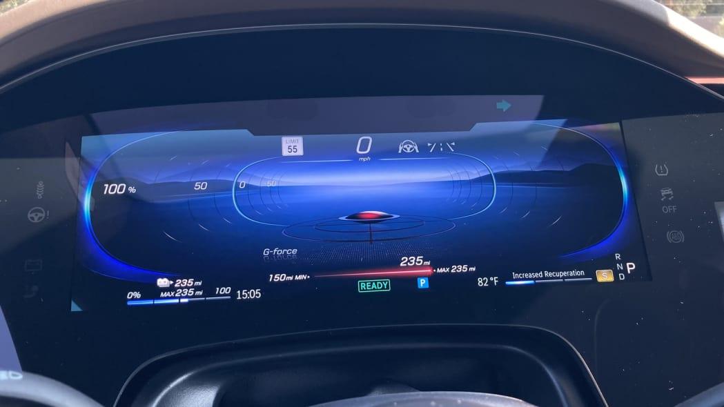 2022 Mercedes EQS sport gauge display