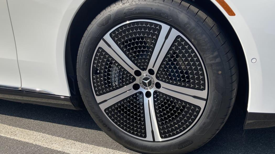 2022 Mercedes EQS 20 inch aero wheels