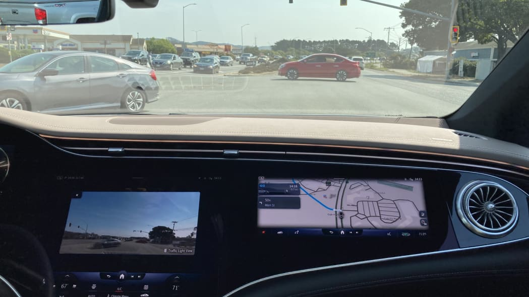 2022 Mercedes EQS intersection camera in dash