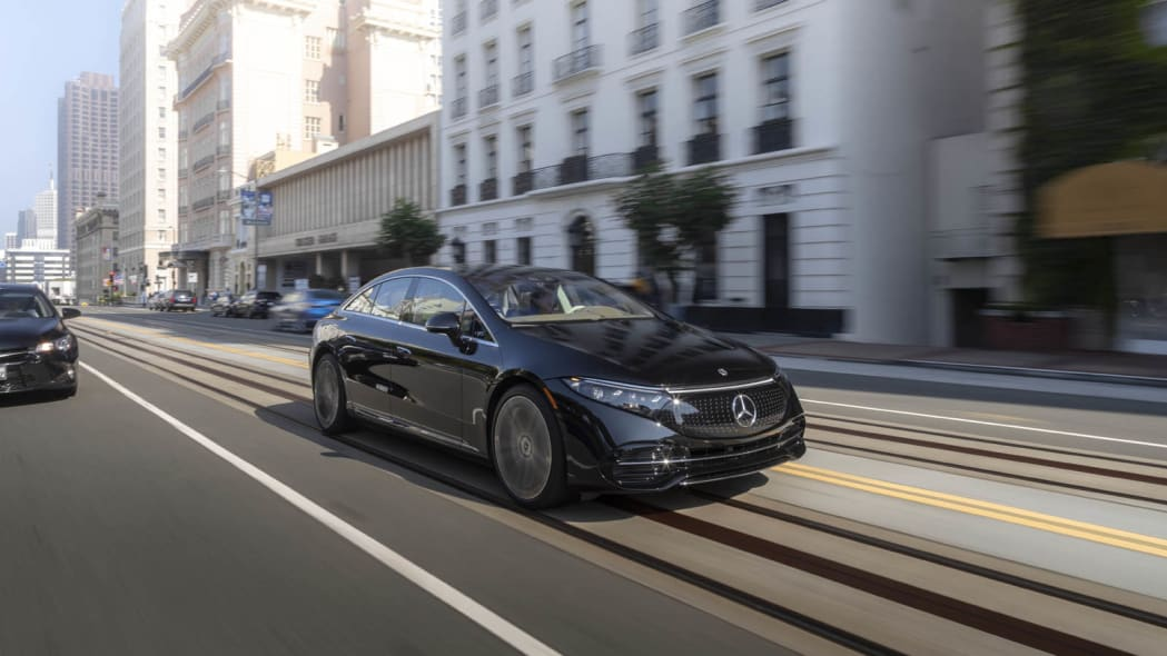 2022 Mercedes EQS 450+ action front trolly line