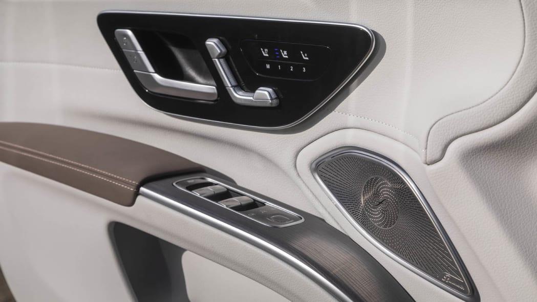 2022 Mercedes EQS 450+ door controls