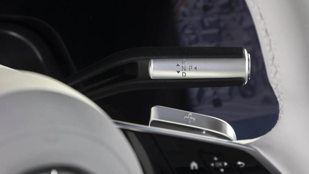 2022 Mercedes EQS 450+ shifter and regen paddle