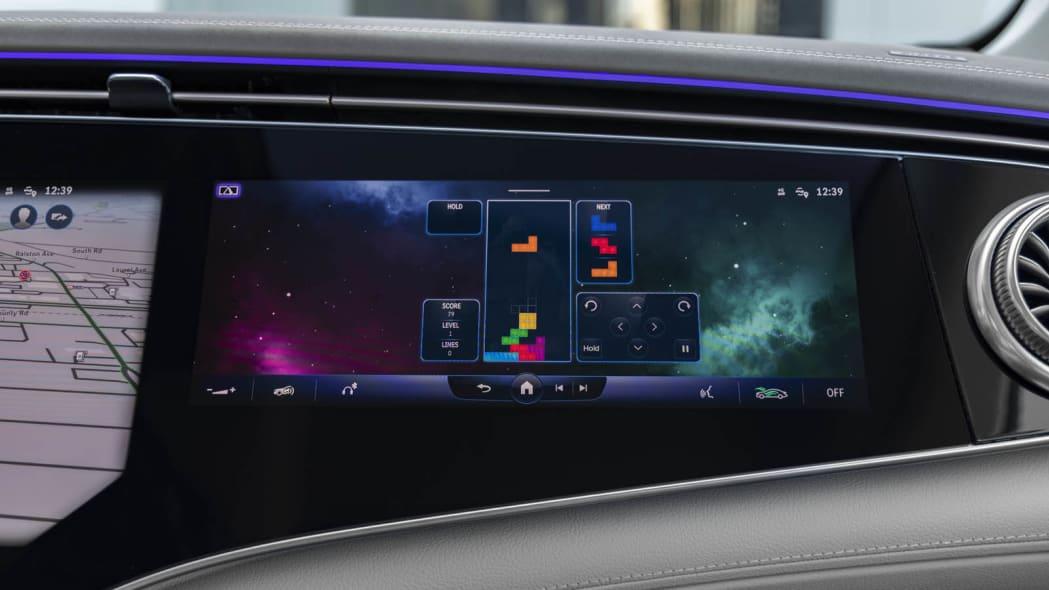 2022 Mercedes EQS 450+ passenger screen game