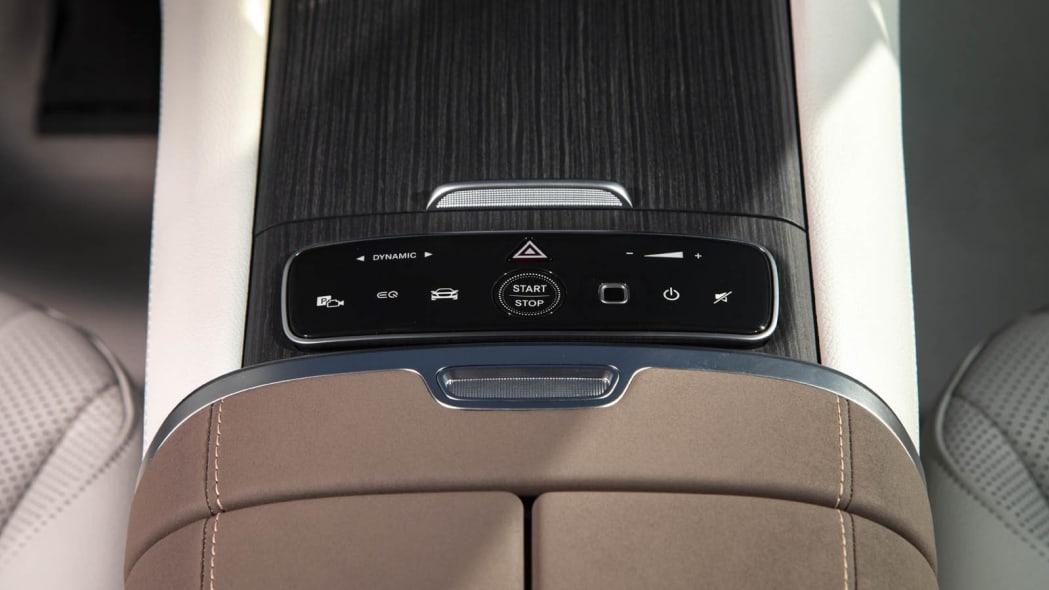 2022 Mercedes EQS 450+ console controls