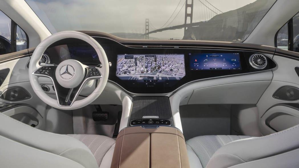 2022 Mercedes EQS 450+ interior