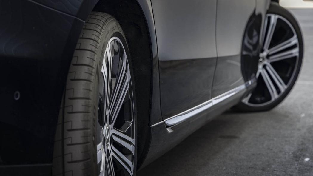 2022 Mercedes EQS 450+ rear axle steering