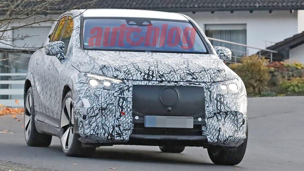 Mercedes EQE SUV prototype