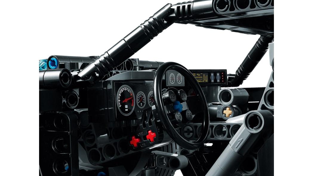 the-batman-lego-batmobile-5