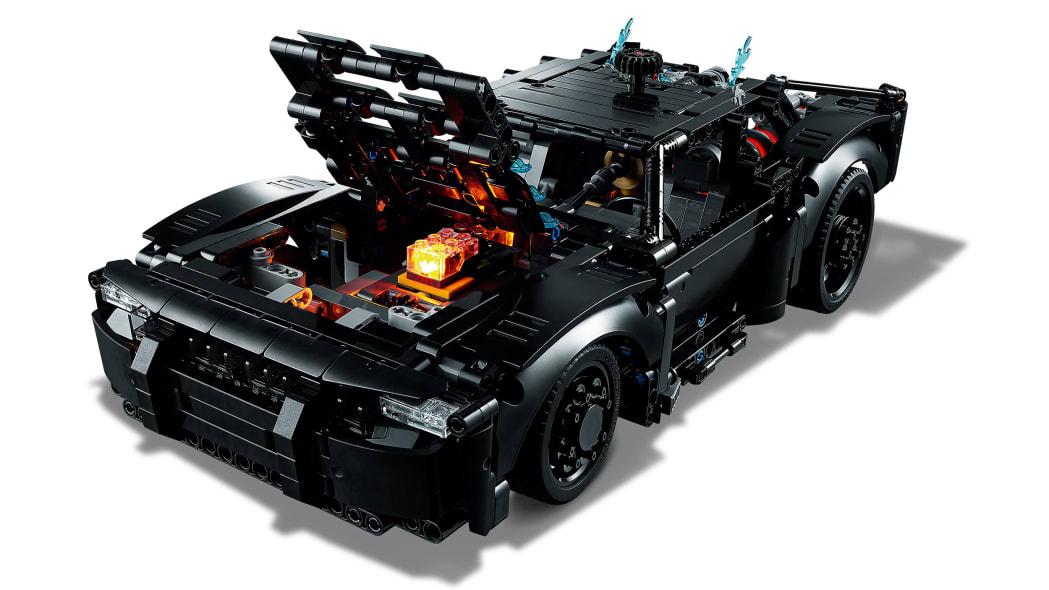 the-batman-lego-batmobile-6