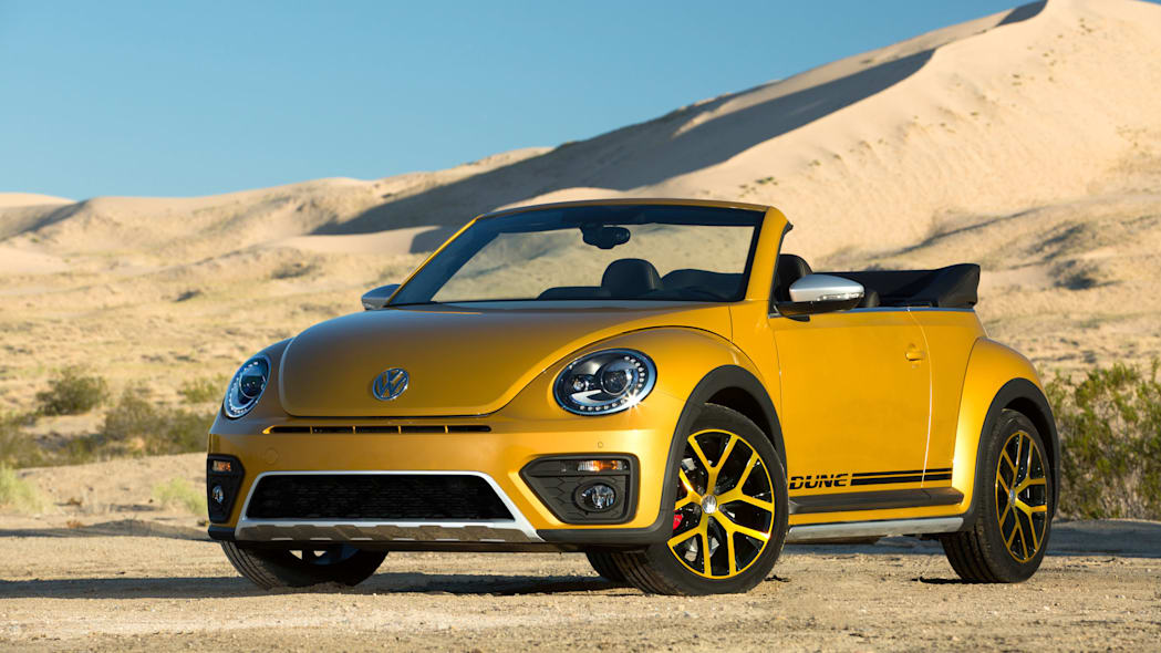 vw beetle dune coupe in the desert