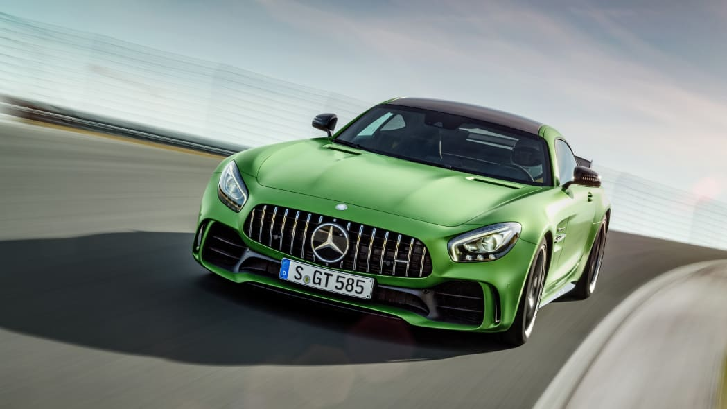 2018 Mercedes-AMG GT R front motion