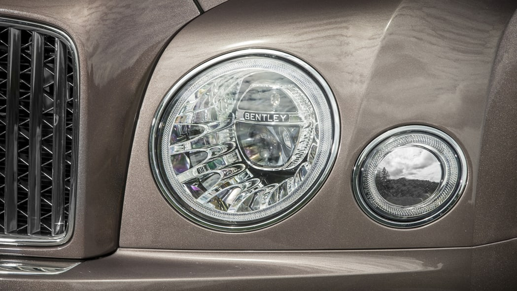2017 Bentley Mulsanne headlights
