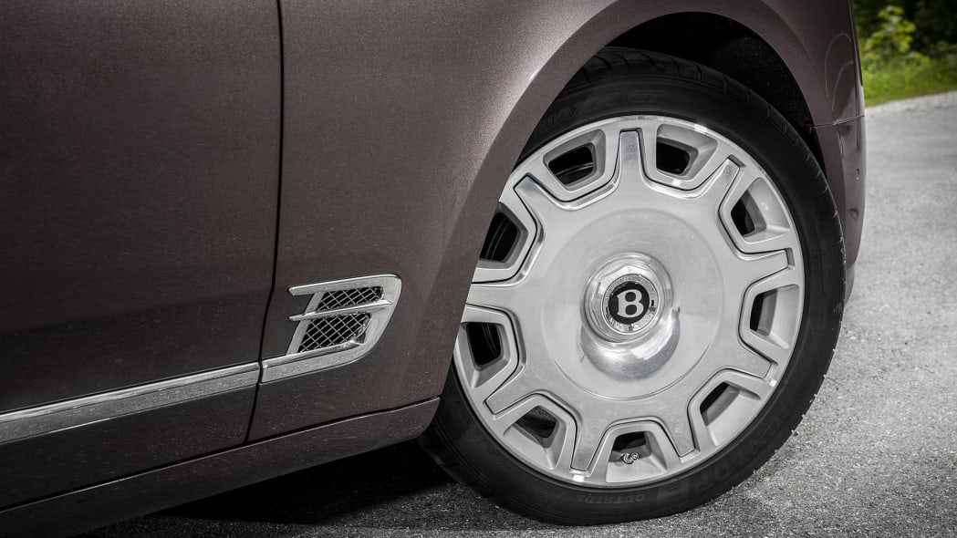 2017 Bentley Mulsanne wheel