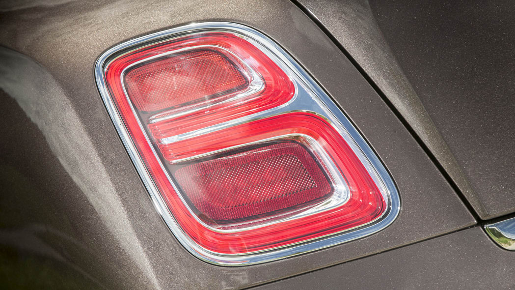 2017 Bentley Mulsanne taillight
