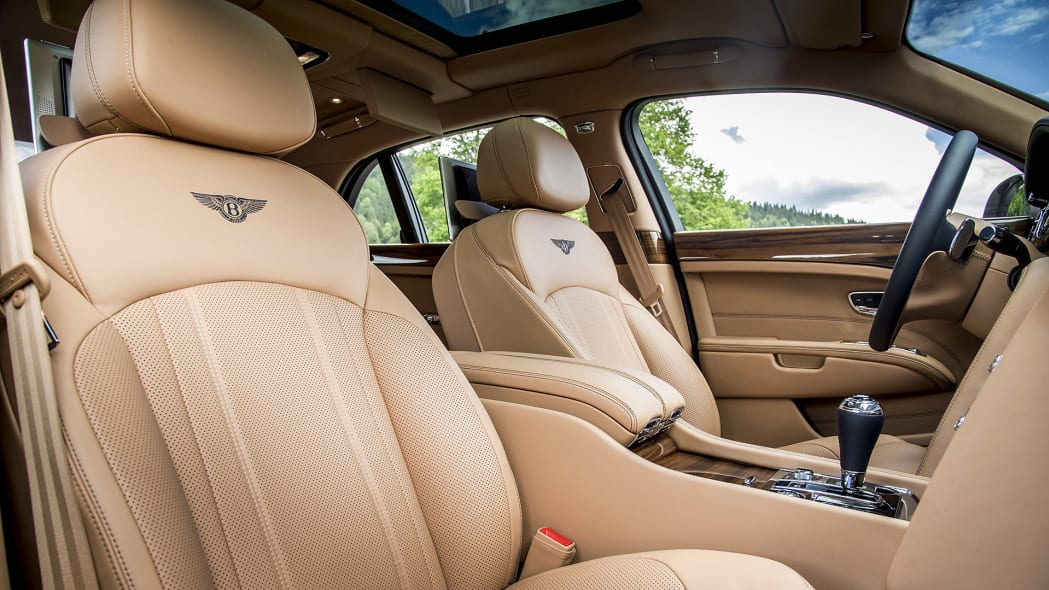 2017 Bentley Mulsanne front seats