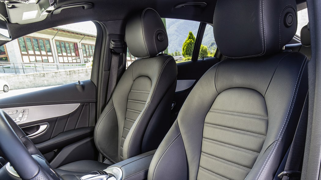 2017 Mercedes-Benz GLC300 Coupe front seats