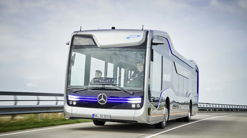 Mercedes Future Bus side
