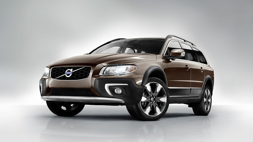 Volvo XC70 wagon in brown