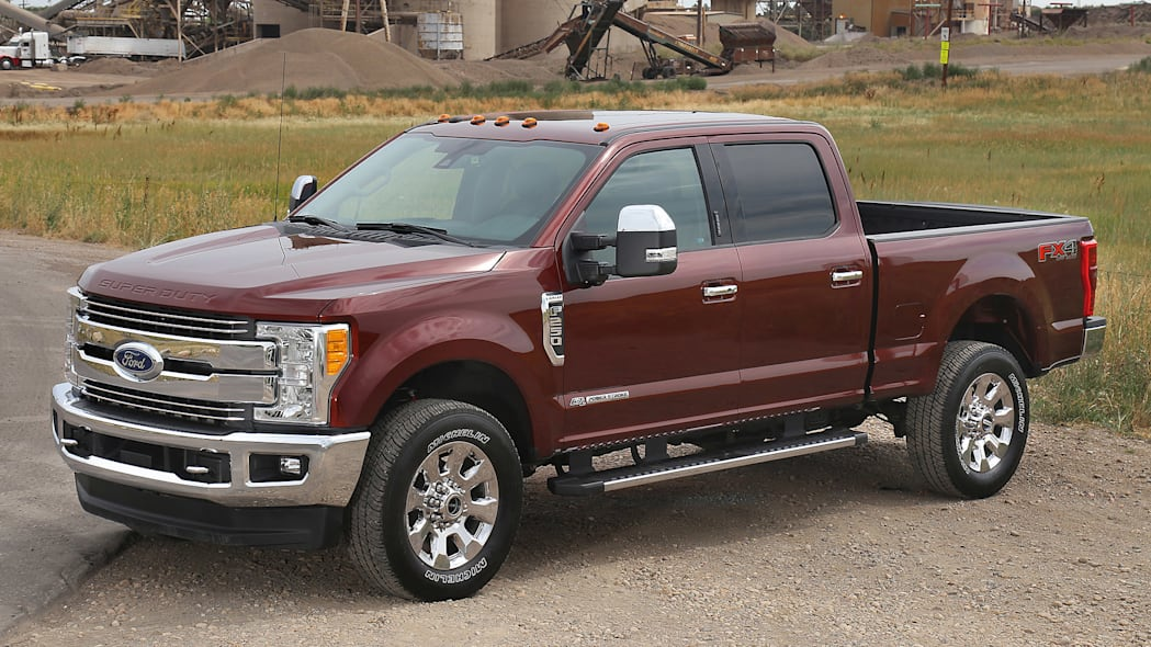 2017 Ford F-Series Super Duty front 3/4 view