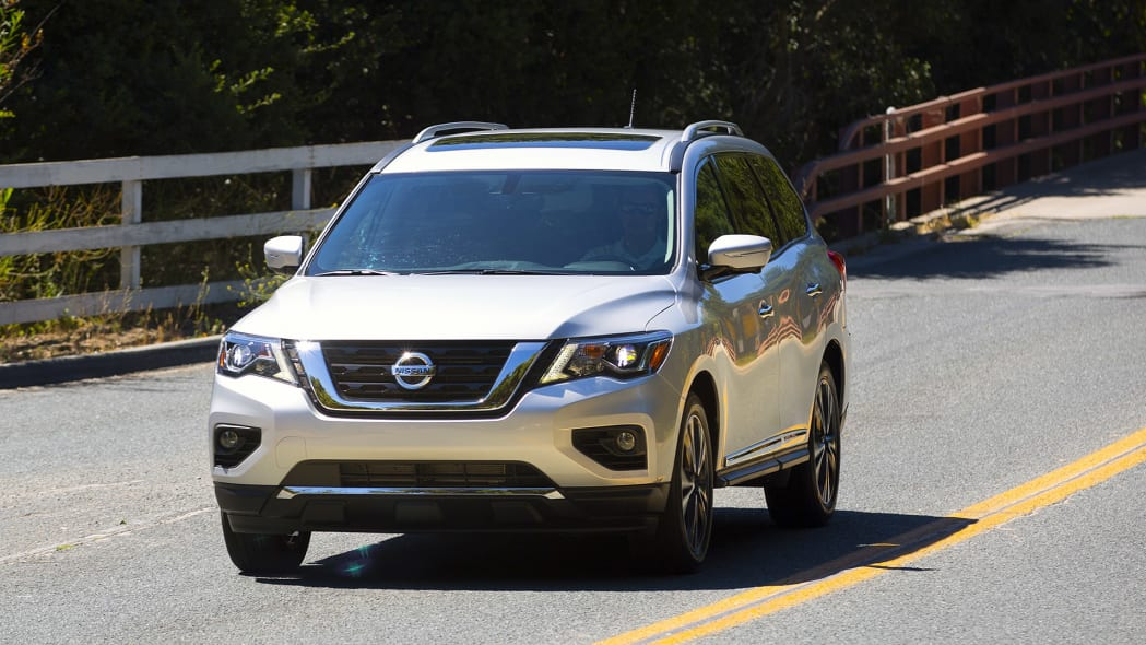 2017 Nissan Pathfinder driving