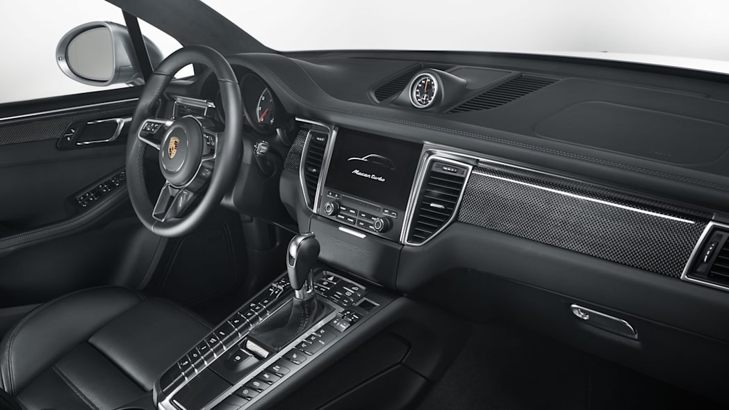 Porsche Macan Turbo with Performance Package Interior