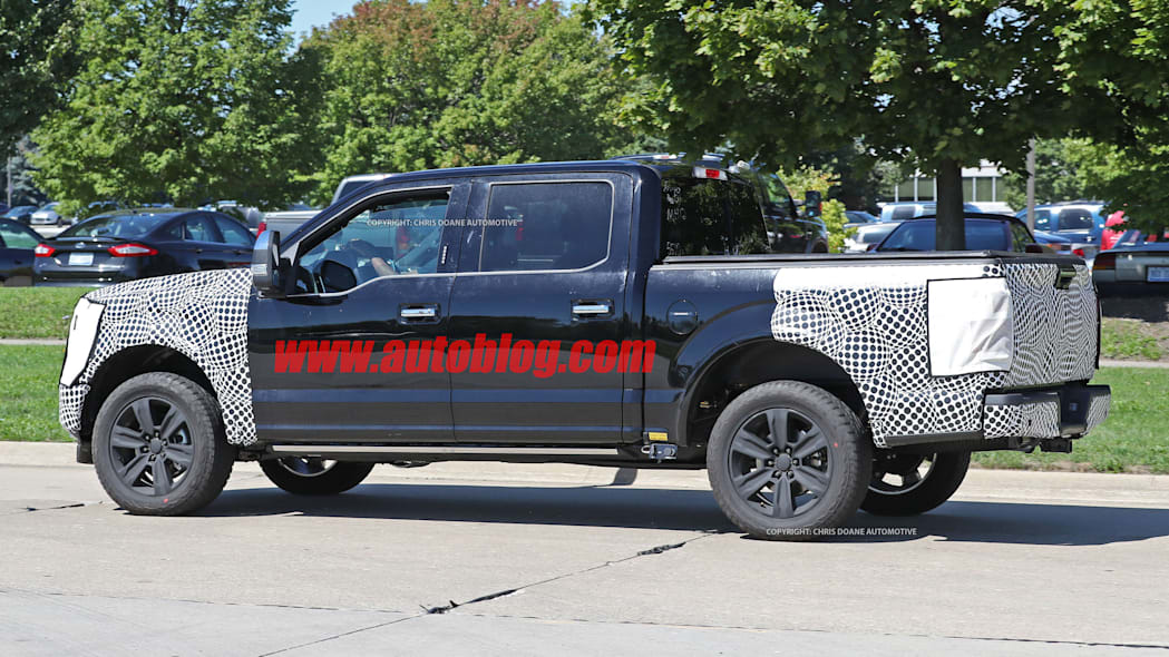2018 ford f-150 spy photo side four door