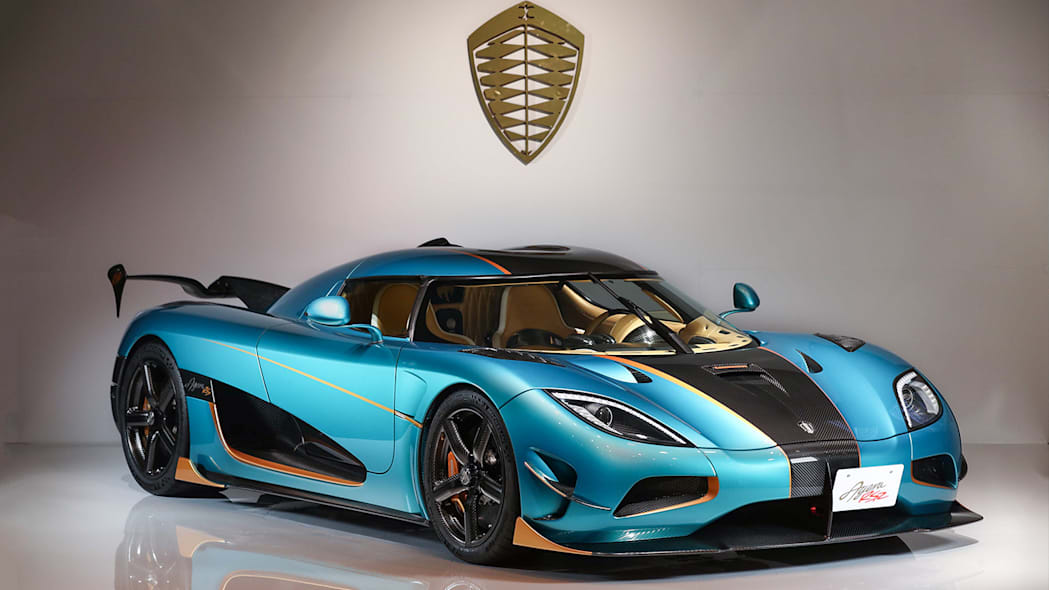 2017 Koenigsegg Agera RSR blue front right 3/4