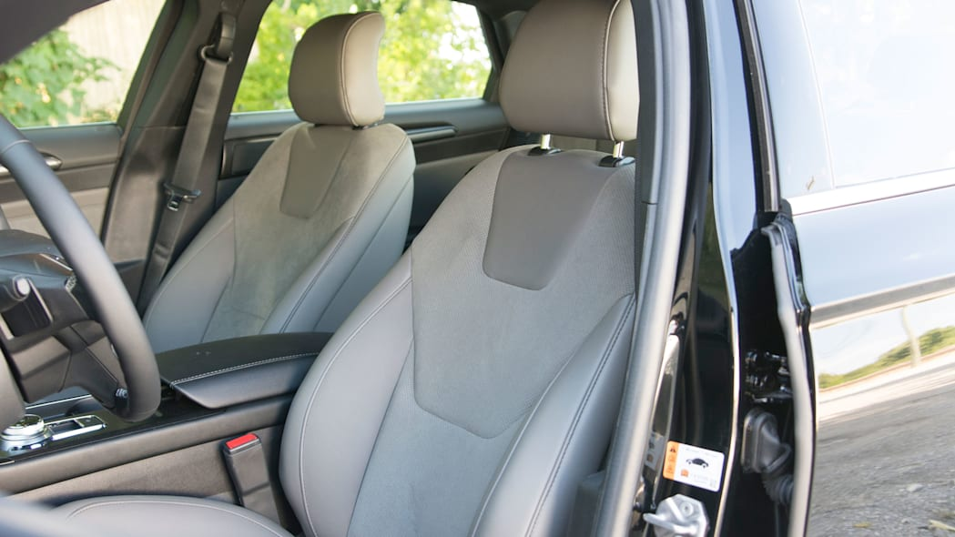 2017 ford fusion sport front seats