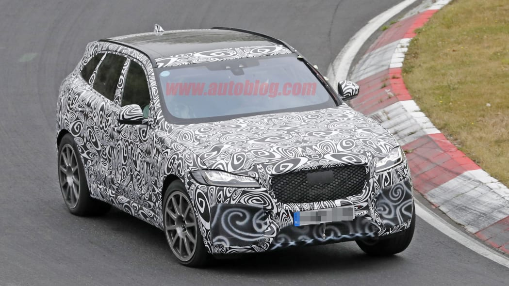 2019 Jaguar F-Pace R front right 3/4