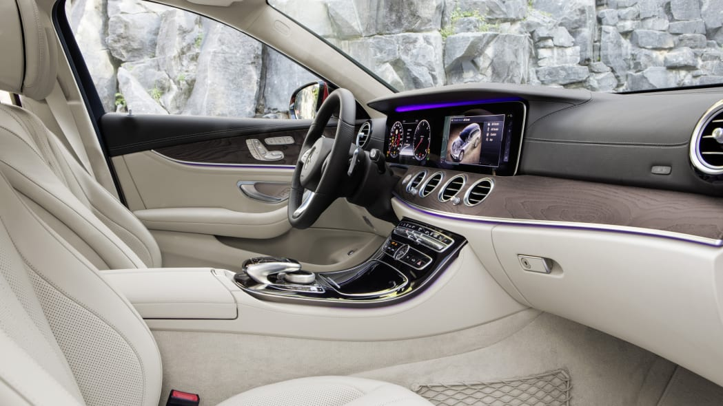 Mercedes-Benz E-Class All-Terrain interior 2