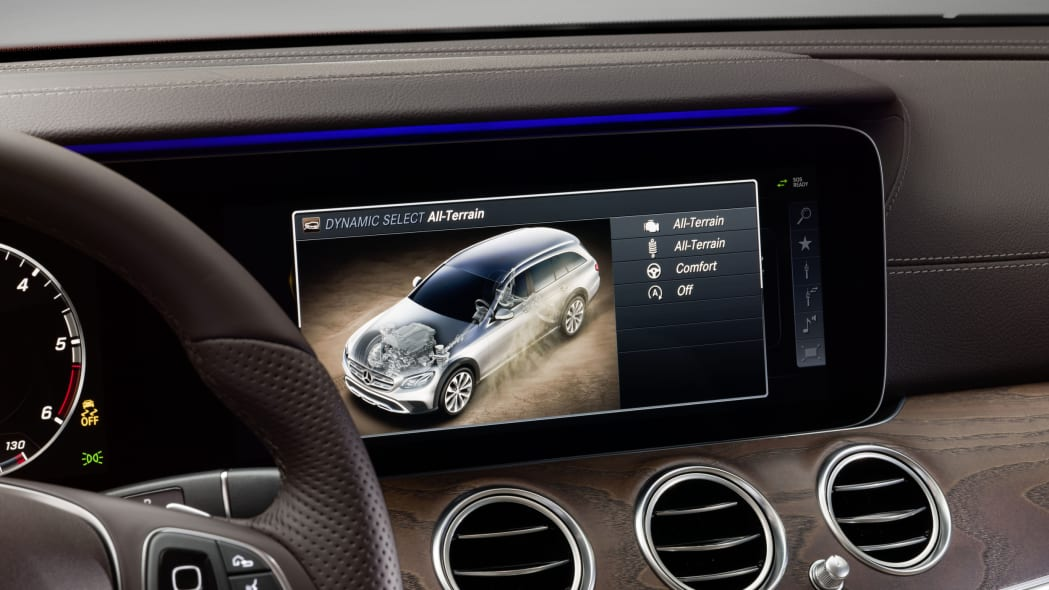 Mercedes-Benz E-Class All-Terrain dash