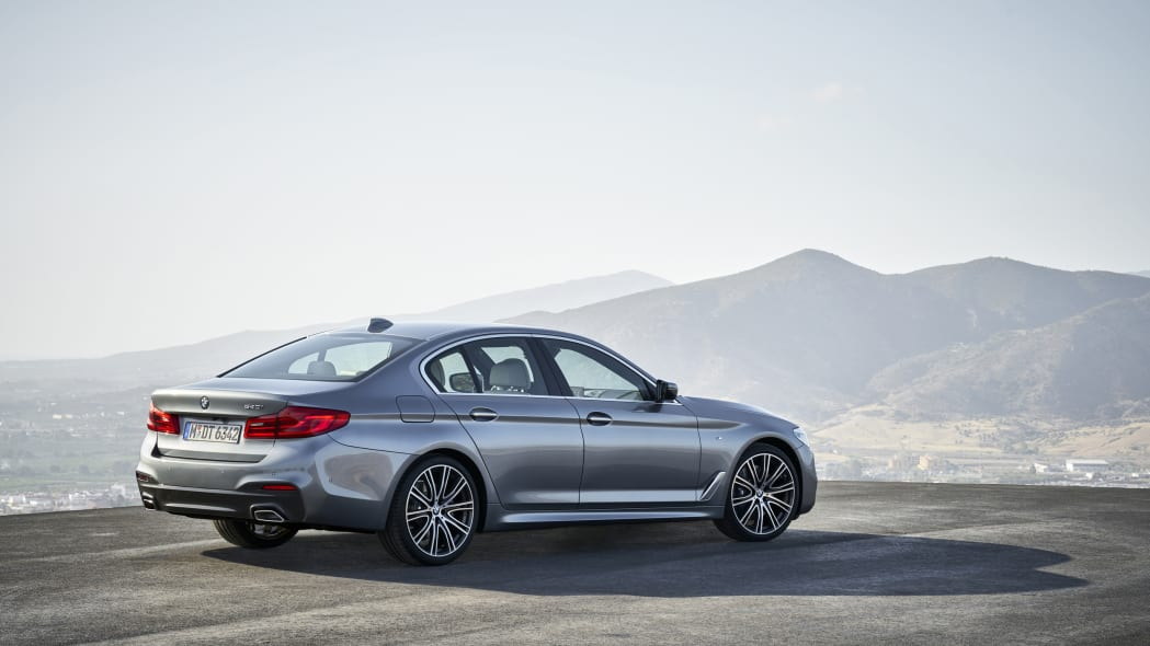2017 BMW 5 Series rear 3/4