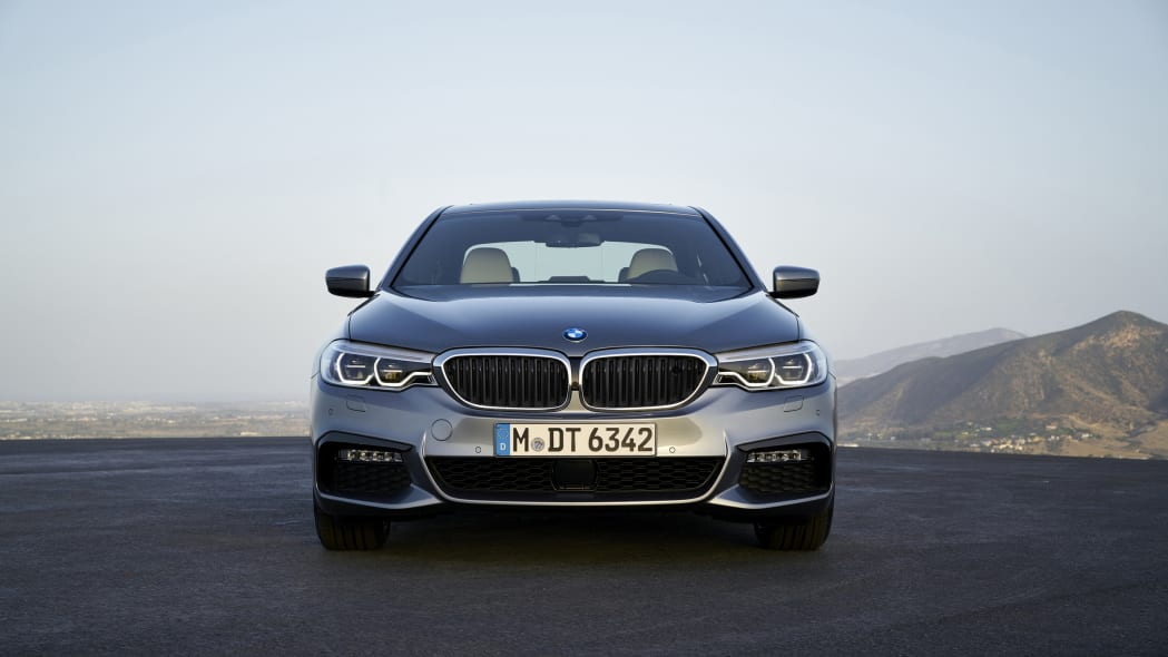 2017 BMW 5 Series front