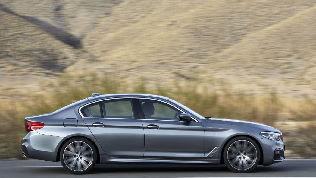 2017 BMW 5 Series profile