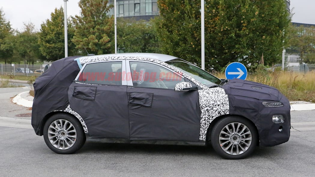 Hyundai SUV Spy Shots Side Exterior