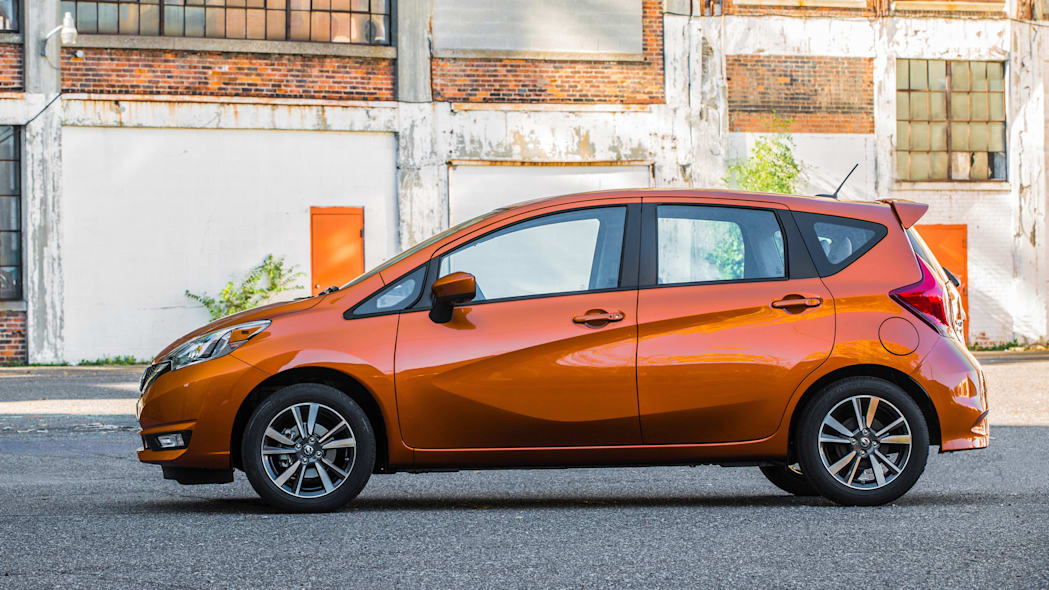 2017 Nissan Versa Note profile